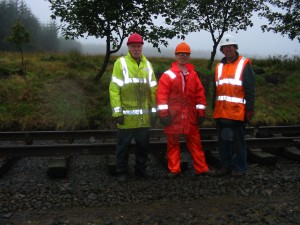 Alan Smith, Matt Stoddon & Ian Crooks - tracklaying at Whitrope on 9th September 2002
